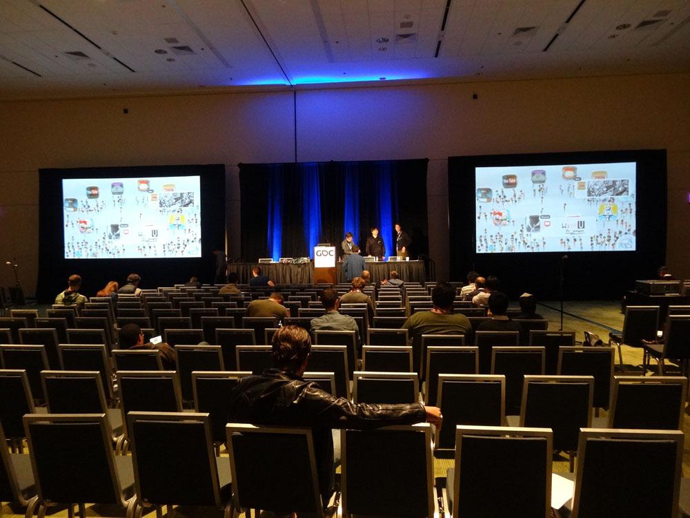 【画像】任天堂、開発者向けに講演を行うもガラガラ 「開発者はWiiUに関心がない」