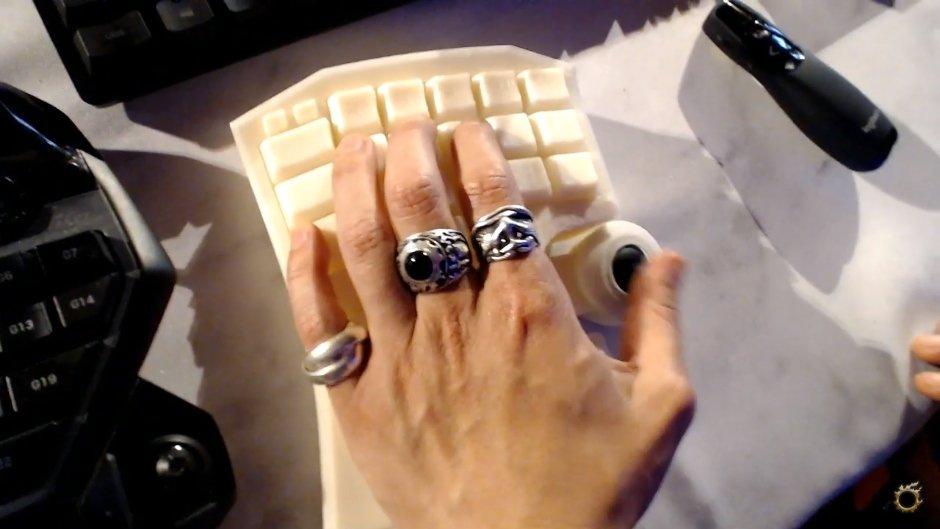HORI、吉田P完全監修の「FFXIV」推奨左手用キーパッドを現在開発